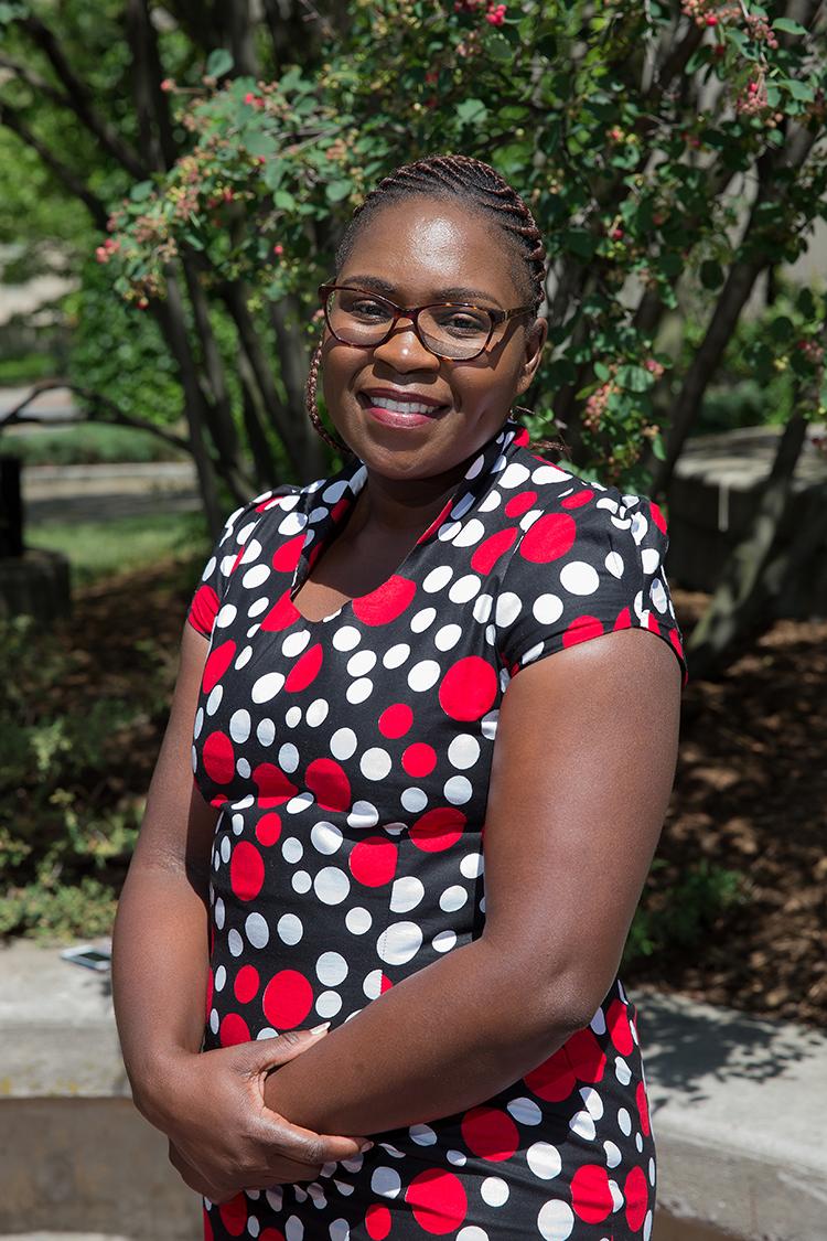 Directrice exécutive intérimaire du Zimbabwe Human Rights NGO Forum (Forum des ONG pour les droits humains du Zimbabwe)
